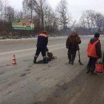 Для аварійного ремонту тернопільські шляховики використовують холодні суміші