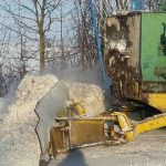 Дорожники Тернопільщини посівають піском і сіллю