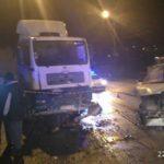 У Тернополі аварія – вантажівка протаранила два автомобілі (фото)