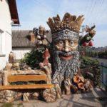 Житель Тернопільщини перетворив своє подвір'я на справжню казку (фото)