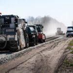 Завдяки сучасним матеріалам, дорожники Тернопільщини можуть працювати і у негоду