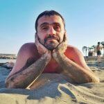 Тернополяни цікавляться, чи зняв Володька з «VIP Тернопіль» чоботи на пляжі? (фото)