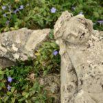 Тернополянка розповіла, як це – жити на цвинтарі