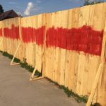 Не всім подобається те, що тернополяни пишуть на парканах (фото)