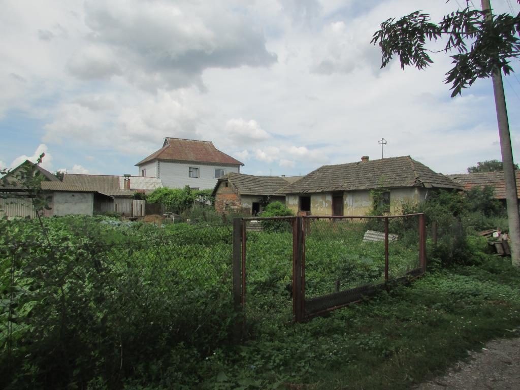 У селах на Тернопільщині є де жити, але нема кому (фото)   Про Те