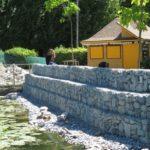 У тернопільському парку будують стіну, якій позаздрив би навіть Арсеній Яценюк (фото)