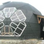"""Житель Тернопільщини збудував овальне помешкання, яке місцеві називають """"НЛО"""""""