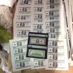 Тернополян попереджають – деякі доларові купюри можна спокійно здати на макулатуру
