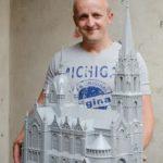 Сімнадцять років тернополянин виготовляє архітектурні шедеври з паперу (фото)
