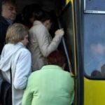 Тернополянин готовий продати перевізнику усе необхідне для ремонту маршрутки, яка розвалюється на ходу (відео)