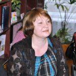 Бібліотекар з Тернопільщини не проти, щоб люди читали електронні книжки