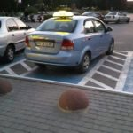 У Тернополі важко викликати таксі, бо водії – люди з обмеженими можливостями? (фото)
