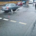 У Тернополі дороги ремонтують ті, хто дуже не любить пішоходів (фото)