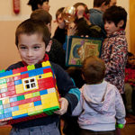 Тернополян просять навести лад у шафах заради чужих дітей