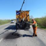 Осінь не заважає тернопільським дорожникам продовжувати ремонтні роботи