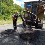 На дорогах Тернопільщини сьогодні працювали 12 струйних механізмів (фото)