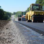 На дорогах Тернопільщини залишається все менше ям і ямок