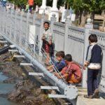 У Тернополі циганчата уже намагаються розібрати на металобрухт аераційний фонтан? (фото)