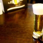 За пляшку пива тернополянин розрахувався телефоном