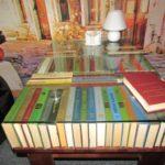 Де у Тернополі роблять меблі і картини зі старих книжок (фото)