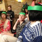 Шкарпетки і светри – тернопільські телевізійники прийшли на зйомки у майже домашньому одязі