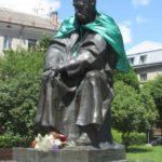 Хто хоче, щоб тернопільські пам'ятники не мерзли у голову