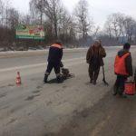 На дорогах Тернопільщини триває ліквідація аварійної ямковості
