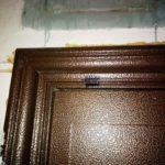 Хто залишає дивні позначки на вхідних дверях квартир тернополян (фото)