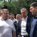 Прем'єр і голова Укравтодору перевірили хід ремонту дороги з Тернополя до Підволочиська