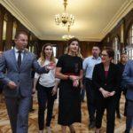 Марина Порошенко та Марі Йованович відкрили відреставровану дзеркальну залу Вишнівецького палацу на Тернопільщині