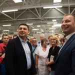 """Прем'єр-міністр ознайомився з роботою філії """"СЕ Борднетце-Україна"""""""