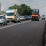 З'явилося відео, як на Тернопільщині ремонтують найбільш знищені ділянки доріг