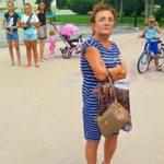 Тернопільська пенсіонерка, яка захищає фонтан від дітей, погрожувала вибити зуби дев'ятирічній дівчинці