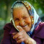Пенсіонерка з Тернопільщини знає, хто з односельців скоро помре