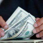 Чиновник з Тернопільшини отримав 1500 доларів США  просто так