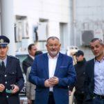 Радник міністра з Тернопільщини заробив перші гроші, граючи на весіллі