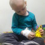Тернополян закликають запалити свічку, щоб допомогти онкохворим дітям
