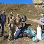 На Тернопільщині сміття прибирають вже навіть американці (фото)