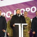 Тепла зустріч Президента з тернополянами на Театральній площі (фотофакт)