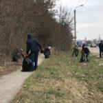 Тернопільські дорожники  влаштували толоку на узбіччі дороги М-19