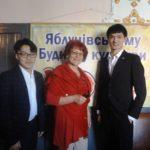 До села Тернопільщини приїхали китайці, щоб заспівати українською мовою