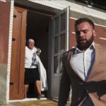 Тернополянин так поспішав на весілля, що забув вдягнути штани (відео)