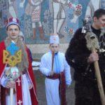 В унікальному селі Тернопільщини колядники зірку замінили тризубом