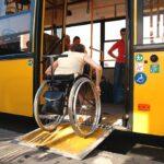 Тернополянин, який пересувається на візку, проінспектував автобус 35-го маршруту